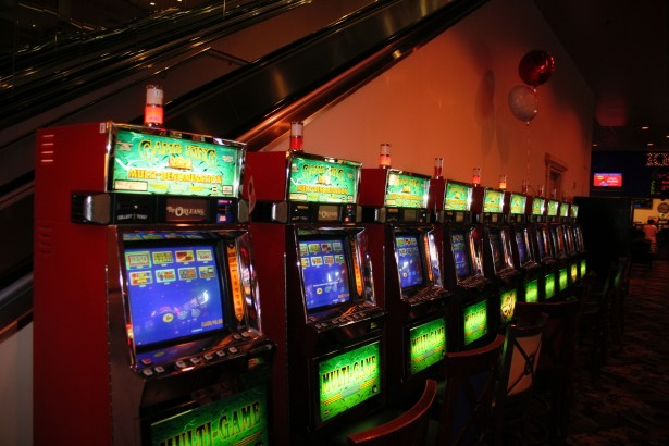 Advantages Of Playing In Online Slots